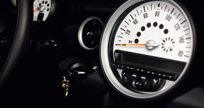 sportscar-speedometer